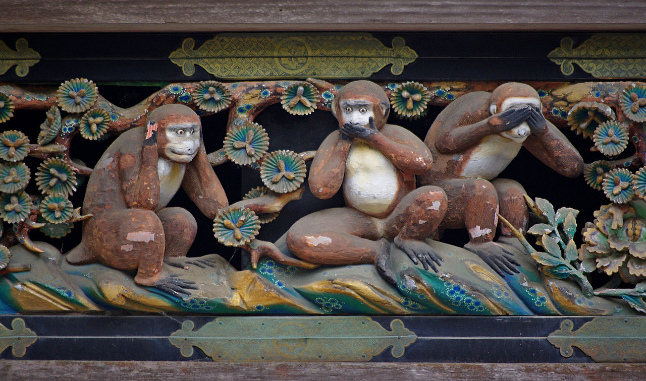 The three wise monkeys at the Tōshō-gū Shrine in Nikkō. (Photo: Jakub Hałun / Wikipedia)