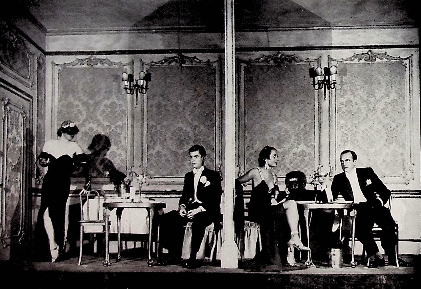 "The ""cabinet particuliare"" scene in act 2 of ""Ball at the Savoy"" in the London production, 1933. (Photo: Thomas Krebs Archive)"