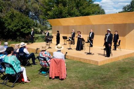 "Offenbach's ""Mesdames de la Halle"" At The Glyndebourne Festival"