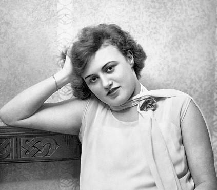 "Camilla Spira in 1927 as seen in ""Berliner Morgenpost."" (Photo: John Graudenz / Wikipedia)"