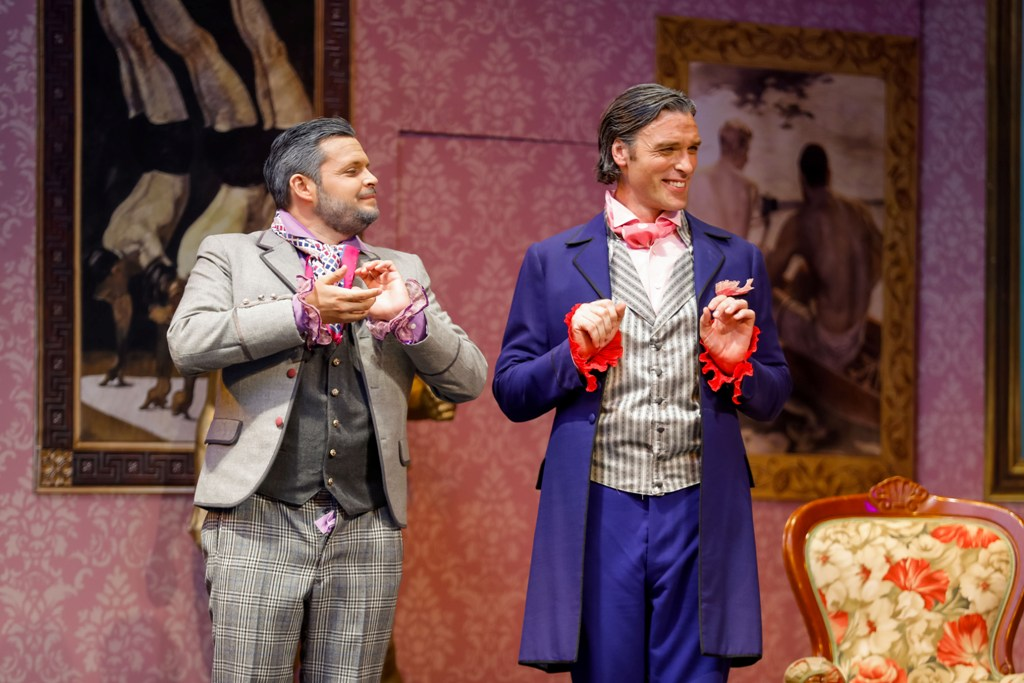 Philippe Spiegel as Albin (l.) and Thomas Weinhappel Leopold, friends of the family (Photo: Christian Husar)