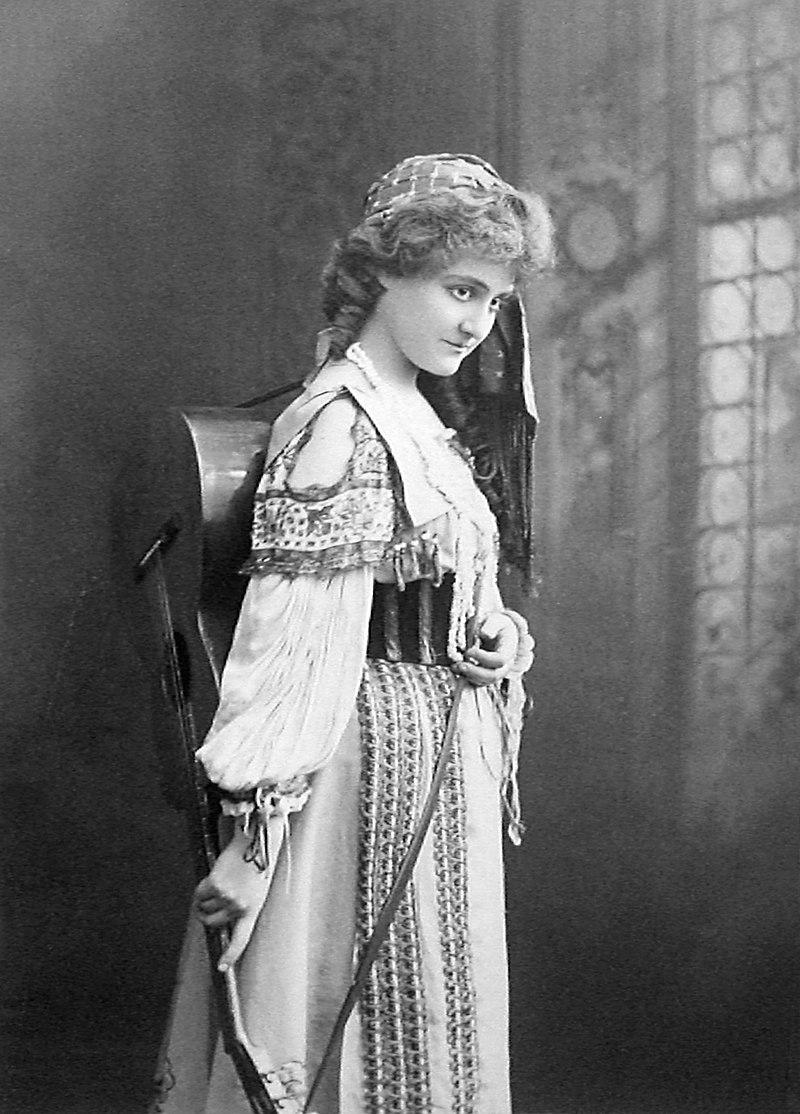 "Ethel Jackson in ""Miss Bob White,"" 1901. (Photo: William McKenzie Morrison)"