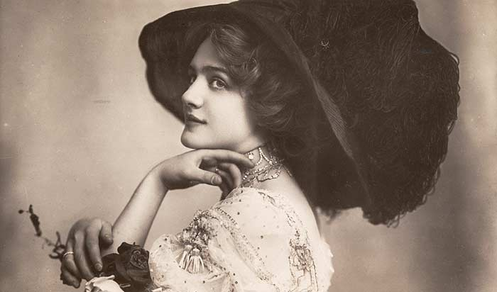 "Lily Elsie in the third Act of ""The Merry Widow"" in London, 1907. The ""Merry Widow Hat"" became a ubiquitous fashion in London. (Photo: Wikipedia)"