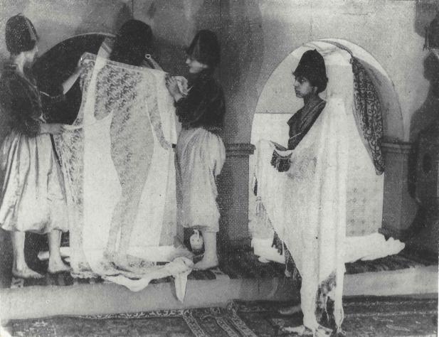 """Fritzi Massary emerging from a Turkish bath in the silent movie version of """"Die Rose von Stambul,"""" 1919. (Photo: Robert Wennersten Collection)"""
