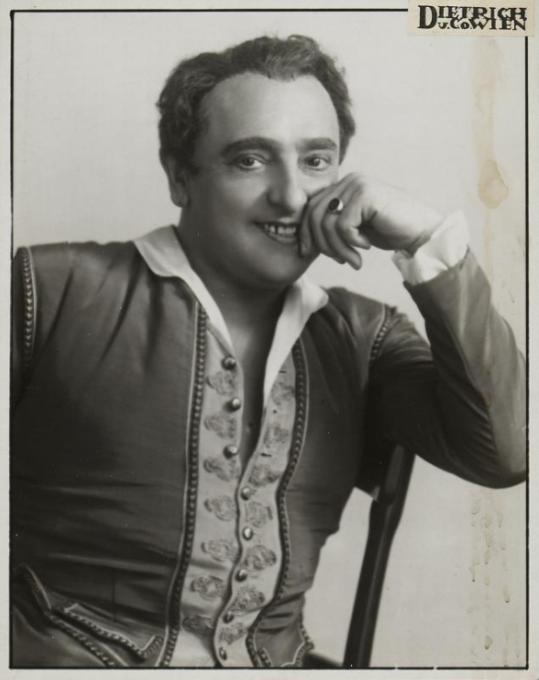 """Hubert Marischka as Caramello in """"Eine Nacht in Venedig."""" (Photo: Atelier Dietrich / Theatermuseum Wien)"""