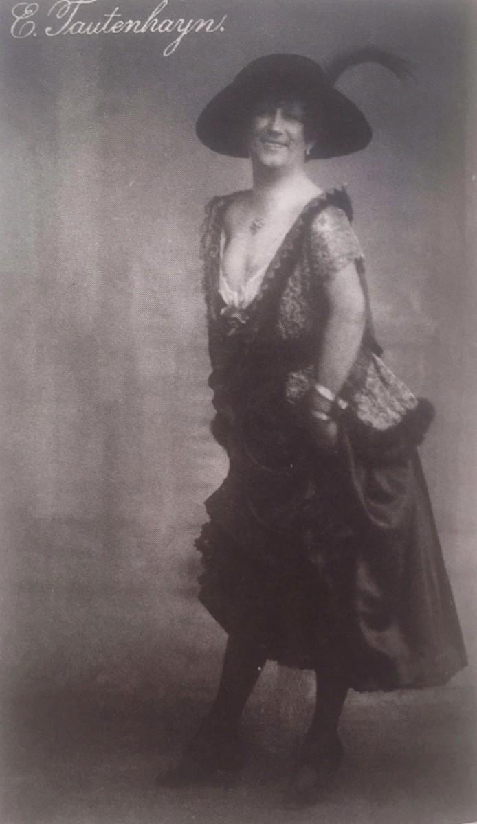 """Ernst Tautenhayn as Lilly in """"Die Rose von Stambul,"""" Vienna 1916. (Photo: From Stefan Frey's """"Leo Fall: Spöttischer Rebell der Operette,"""" Edition Steinbauer 2010)"""