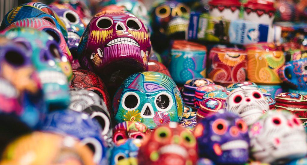 Masks on a market in Mexico City. (Photo: Jeremy lwanga / Unsplash)