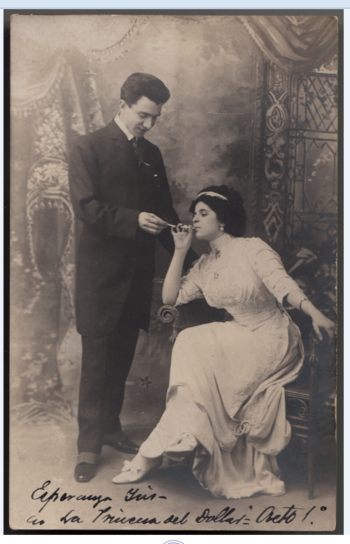 """Esperanza Iris and Modesto Cid in a scene from act 1 of """"La princesa del dollar"""" by Leo Fall, possibly in Havanna. (Photo: Ignacio Jassa Haro Collection)"""