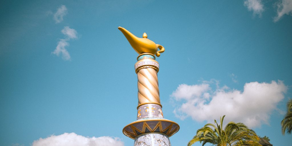 Aladdin's magic lamp in a modern-day amusement park. (Photo: Cesira Alvarado / Unsplash)