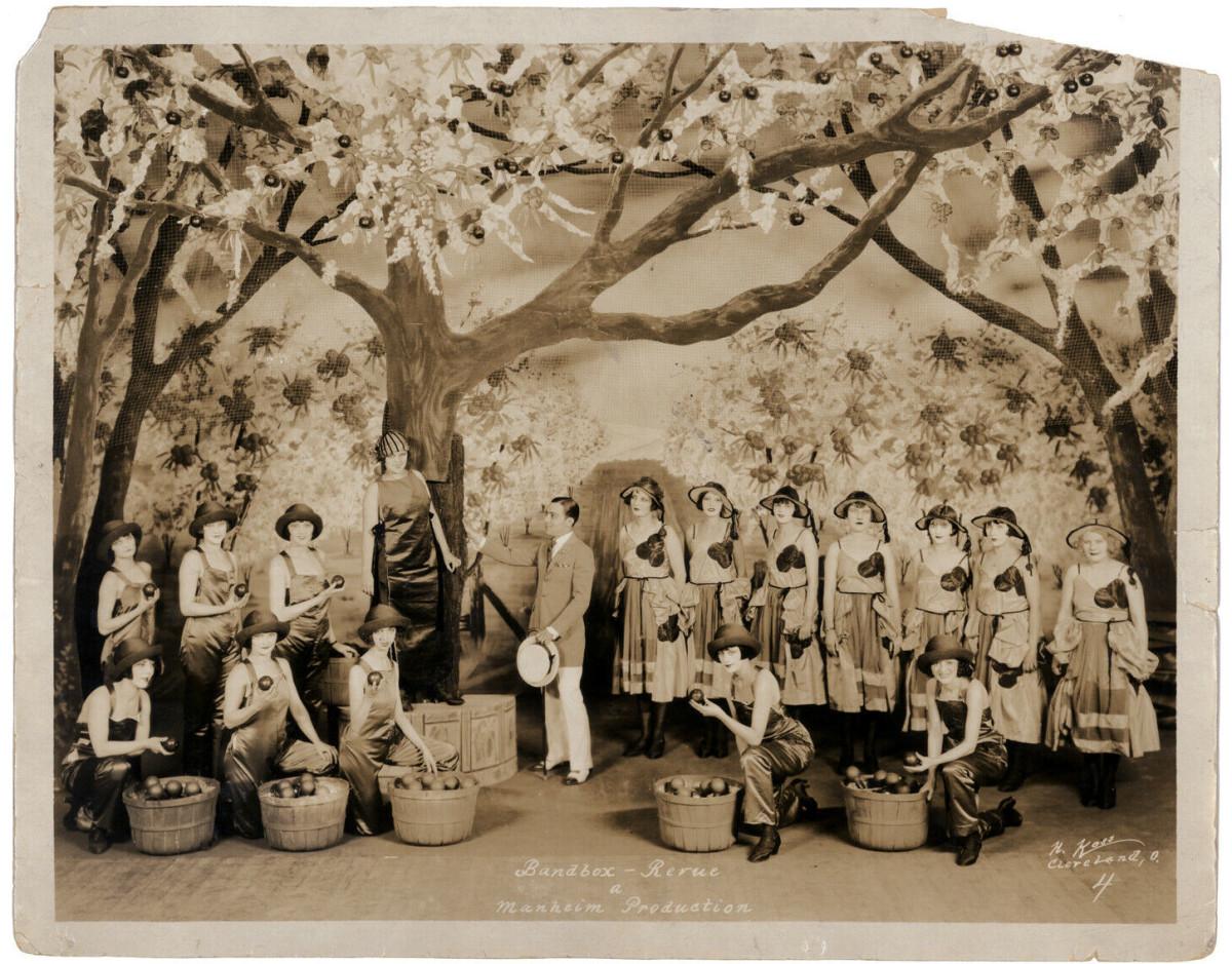"""The Bandbox Revue"" of 1922. (Photo: Kurt Gänzl Archive)"