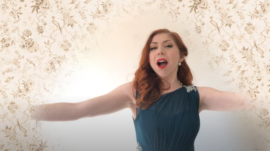 "Caitlin Ruddy singing ""Barney O'Flynn."" (Photo: Alison Dobbins / Screenshot)"