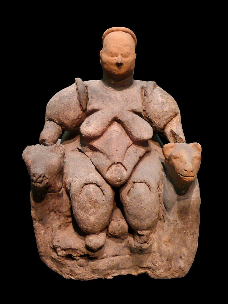 Seated Woman of Çatal Höyük: the head is a restoration, Museum of Anatolian Civilizations. (Photo: Wikipedia)