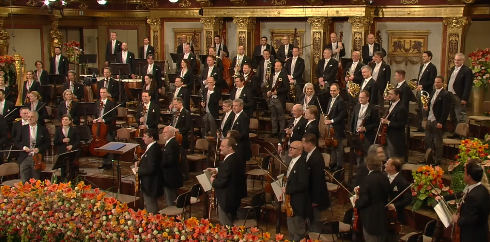 The Vienna Philharmonic Orchestra facing their online viewers and the online applause. (Photo: Screenshot / ZDF)