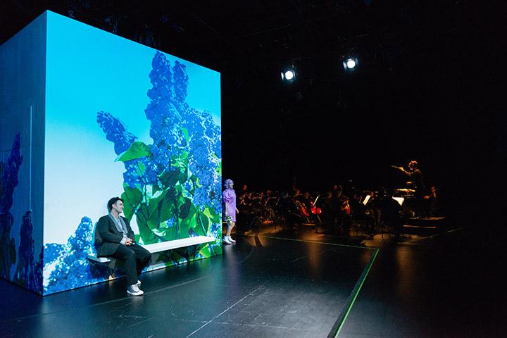 """Grégoire Delamare als Franz Schubert in der """"Dreimäderlhaus""""-Produktion in Linz, 2020. (Foto: Petra Moser / Landestheater Linz)"""