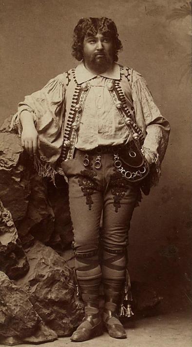 """Josef Josephi as Count Homonay in """"Der Zigeunerbaron."""" (Photo: Anonymous / Theatermuseum Wien)"""