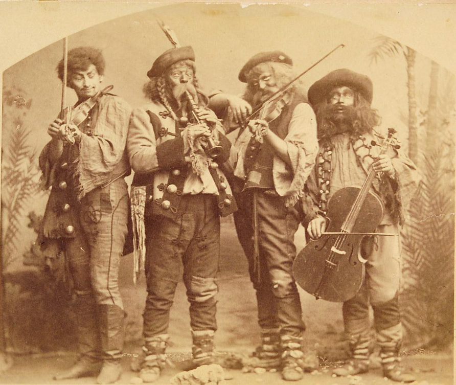 "Scene from ""Der Zigeunerbaron"" at Theater an der Wien, 1885. (Photo: Atelier Rudolf Krziwanek / Theatermuseum Wien)"