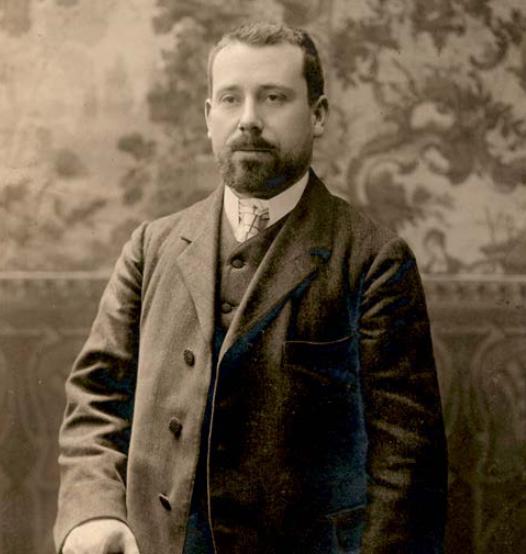 The composer Pablo Luna in Madrid, 1920. (Photo: Centro de Documentación y Archivo de la Sociedad General de Autores y Editores, Madrid)