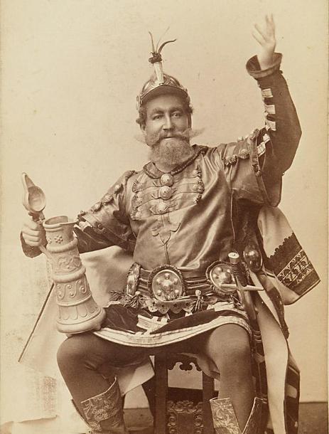 Franz von Reichenberg in full costume, around 1892. (Photo: Theatermuseum Wien)