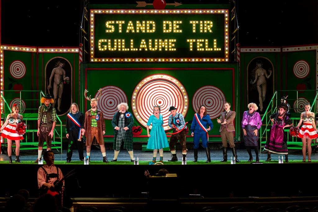 "The ""Guillaume Tell"" scene in ""V'lan dans l'œil,"" 2021. (Photo: Eric Bouloumié)"