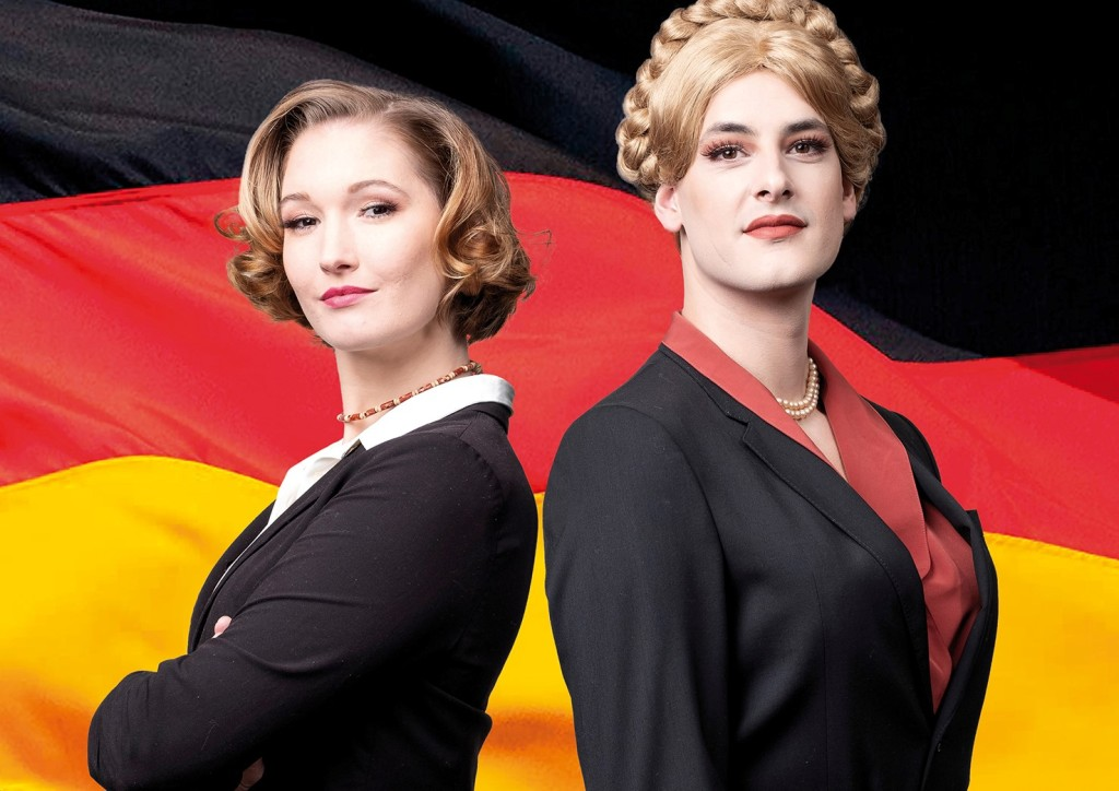 """Das Poster für """"Eine Stimme für Deutschland"""" mit Veronika de Vries (l.) und Joel Zupan. (Foto: Matthias Heyde / Neuköllner Oper)"""