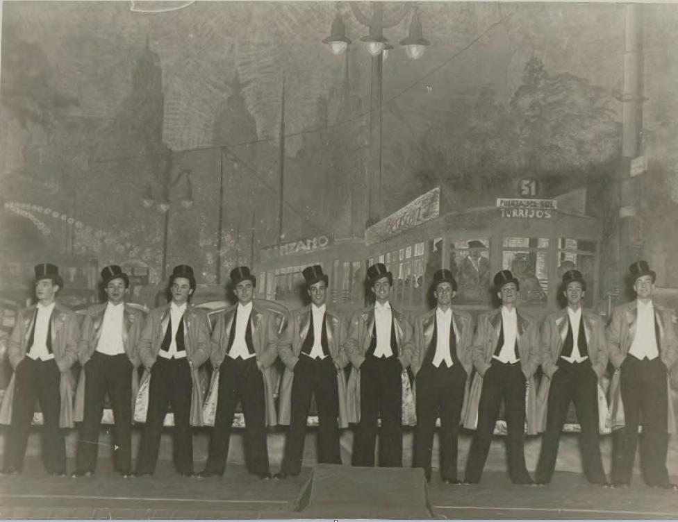 """""""Siete colores"""": The indefinable cataloguing boys / Teatro de la Zarzuela, 1934. (Photo: Fondo Guillermo Fernández-Shaw, Fundación Juan March, Madrid)"""