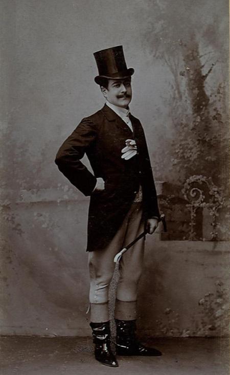 """Karl Streitmann as Tymoleon von Gerius, forest intendant, in """"Waldmeister"""" 1895. (Photo: Mertens, Mai & Cie. / Theatermuseum Wien)"""