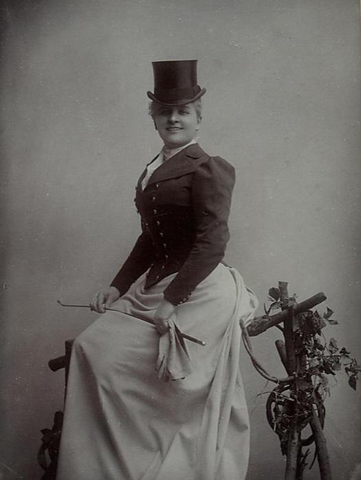 """Julie Kopacsy-Karczag (wife of Wilhelm Karczag) as Freda in """"Waldmeister,"""" 1895. (Photo: Anonymous / Theatermuseum Wien)"""