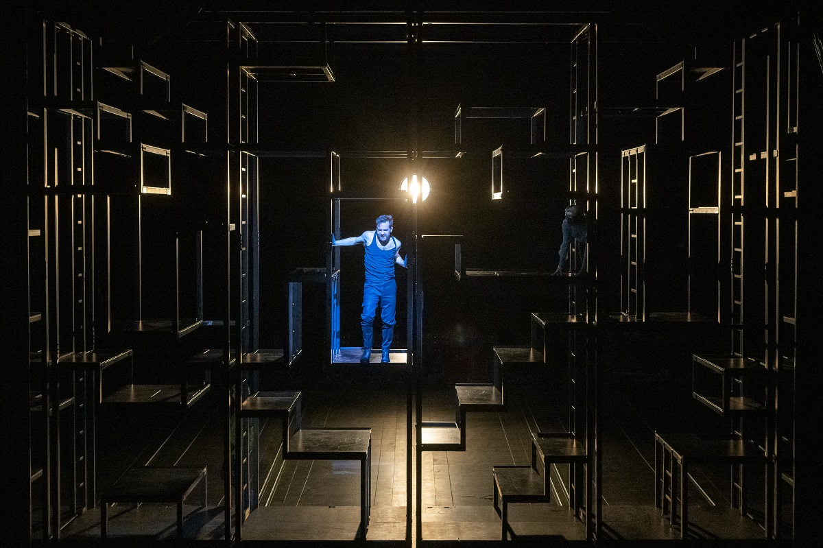 "Nico Holonics as Mackie Messer in ""Dreigroschenoper"" at Berliner Ensemble. (Photo: Jörg Brüggemann / OSTKREUZ)"