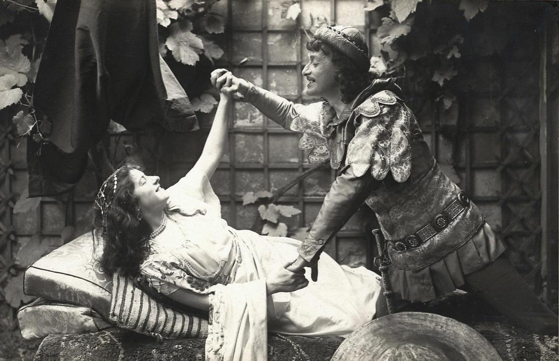 """A scene from """"Die Jüdin von Toledo"""" with Rosa Albach-Retty  and Josef Kainz in Klosterneuburg. (Photo: Adolf Bernhard / Theatermuseum Wien)"""