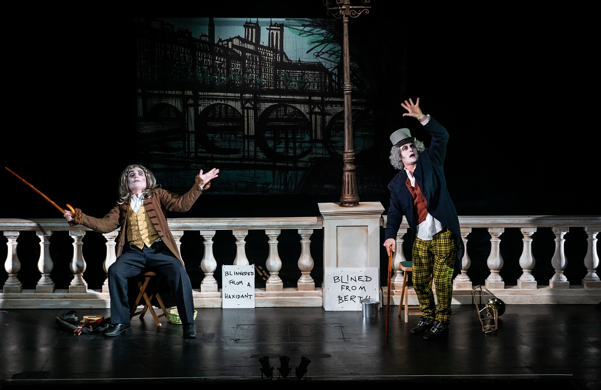 """Tim Walton and Paul Featherstone in """"Les Deux Aveugles."""" (Photo: Jacob Savage)"""